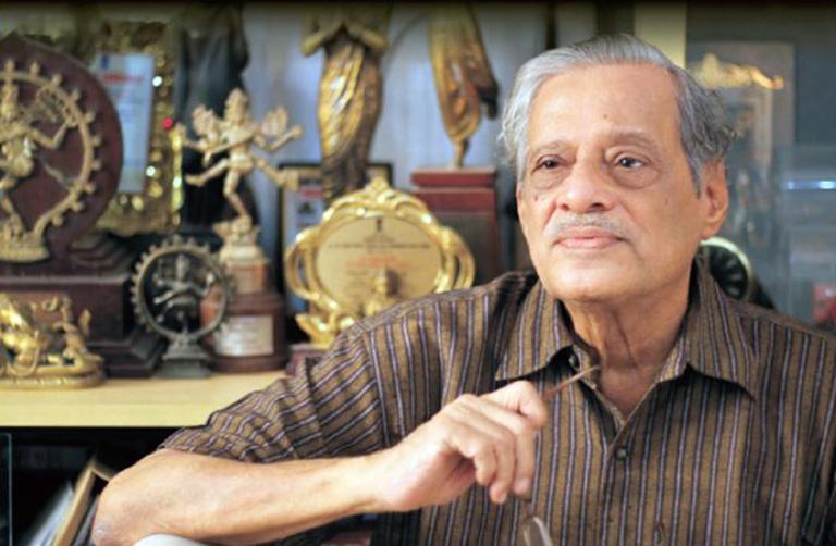 મરાઠીના દિગ્ગજ લેખક, નાટ્યકાર અને ફિલ્મ નિર્માતા રત્નાકર મતકરીનું નિધન